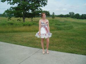 Beautiful Grad Dress London Ontario image 3