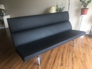 Eames Sofa Compact - authentic