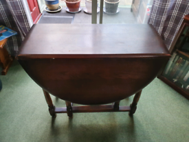 Oval Folding/Fold Out Drop Leaf Dining Table