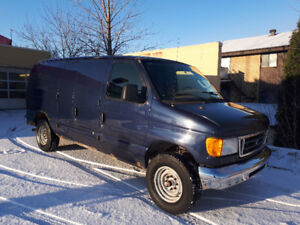 2006 Ford E250 XL Fourgonnette, fourgon