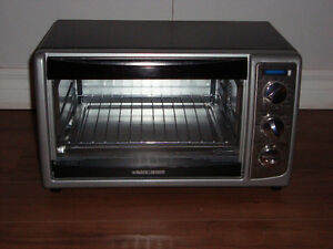 Brand new Black & Decker Convection Toaster Oven