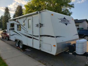 Dutchman | Buy Travel Trailers & Campers Locally in Canada