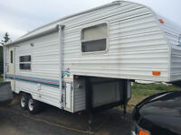 1999 Prowler Fifth Wheel with slide out