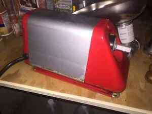 TOMATO JUICER - EXCELLENT CONDITION