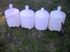 Beer brewing containers
