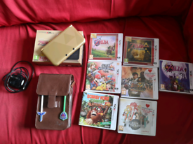 Nintendo 3DS XL Zelda edition with extras, games