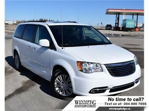 2016 Chrysler Town  Country Touring-L w/Dual DVD  Sunroof  w/Dua