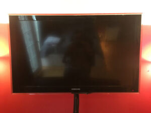 Samsung 40-Inch 1080p flat screen TV