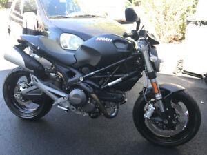 Ducati Monster 696 2014 comme neuve !