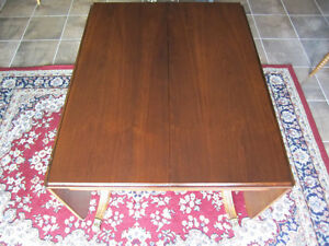 Krug Walnut dining table with two leaves & inserted leaf Kitchener / Waterloo Kitchener Area image 2