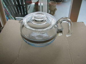 Pyrex 6 Cup Tea Pot 1940s Style Made in the USA