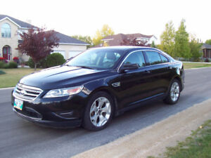 2011 Ford Taurus SEL Sedan, loaded, saftied, and ready to go!