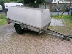 Single axle box trailer
