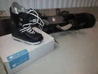 COMME NEUF -Planche a neige/Bottes LIKE NEW-Snowboard/Boots