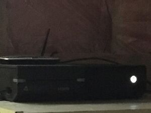 (A year and a half old) Xbox one 1 TB elite 42 games $750 FIRM!