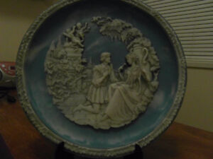 """Sculptured Display Plate Shakespeare's Love Sonnets """"Shall I Co"""