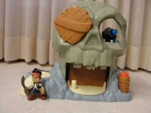"Jake and the Neverland Pirates ""Skull Island"" and Sword"
