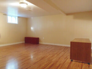 3 room basement apartment available for rental in Scarborough