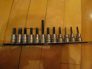 Snap-On 12 X 3/8 Dr. Hex SAE Socket  1/8 ¨ to 3/8 ¨