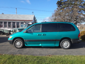 Handicap Van 1998 Plymouth Grand Voyager