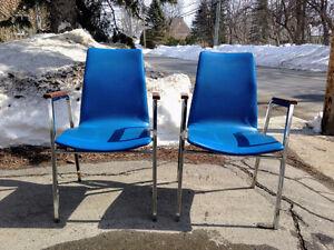 Paire de Chaises Retro Vintage Bleues