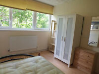 Lovely Double Room Available Now For Rent In Limehouse!