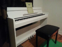 Adult piano lessons in English or French