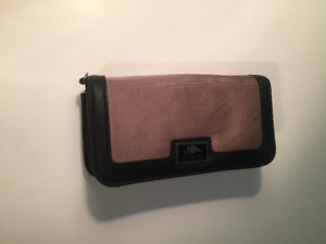 BROWN LEATHER ROOTS WALLET WITH MANY COMPARTMENTS