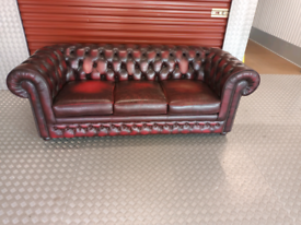 CHESTERFIELD SOFA LOCAL DELIVERY AVAILABLE TODAY