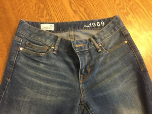 Brand new Gap flare jeans.