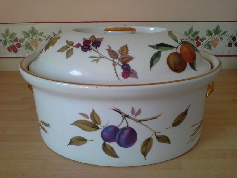Royal Worcester Evesham Gold Oval Deep Casserole Dish Flameproof Porcelain