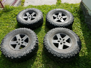 "35"" Mickey Thompson Baja on Jeep JK rims"