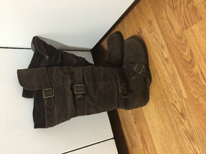 Practically new brown boots