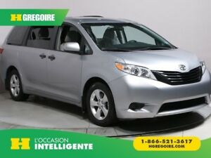 2017 Toyota Sienna FWD A/C MAGS