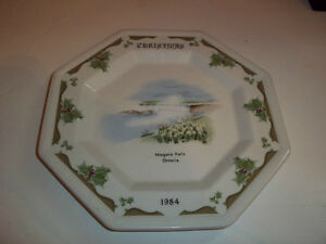 "Christmas 1984 in Niagara Falls Ontario Collector Plate 7 1/2"" d"