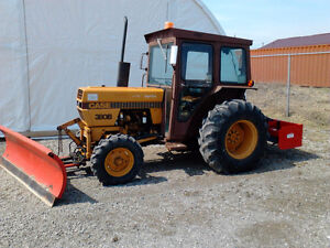 Case 380B   Tractor