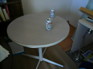 30 inch wide Patio Table (170117)