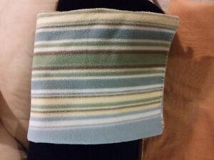 Blue striped fleece throw blanket London Ontario image 1