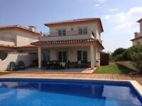 4 bedroom golfing villa with pool