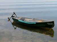 Fishing canoe with an electric trolling motor set