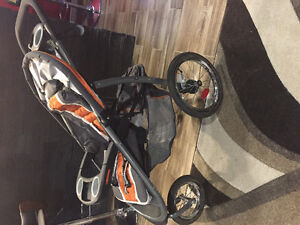 GRACO CLICK CONNECT LIKE NEW TRAVEL SYSTEM
