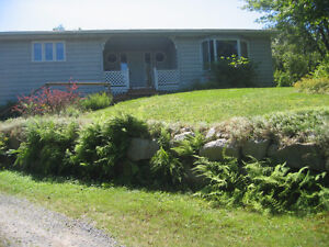 3 BR home with secluded yard & hot tub