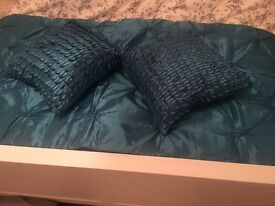 Throw and cushions
