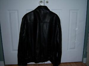 Manteau en cuir neuf - marque Danier - extra large