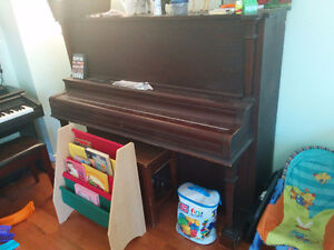 Free Upright Acoustic Piano