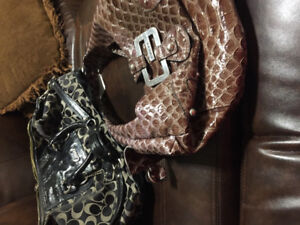 Purses guess and coach