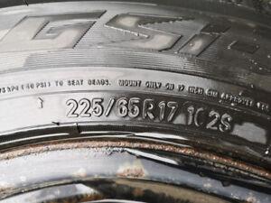 4 pneus d'hiver de marque Toyo avec jante  225/65R17 125$/chaque