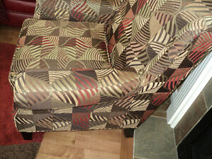 GORGEOUS MULTI COLORED LIKE NEW OCCASIONAL CHAIR Strathcona County Edmonton Area image 4