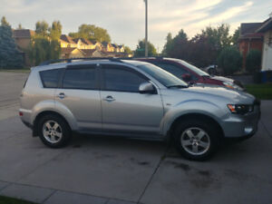 2011 MITSUBISHI OUTLANDER, AWD, 109000KM AND SNOW TIRES INCLUDED