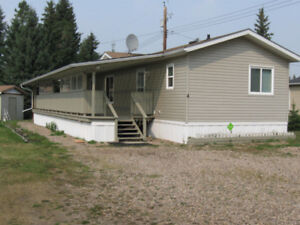 Mobile Home for Sale in Erskine, Alberta. Must be moved.
